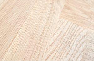 Селект: текстурата на влакната е радикално тангецијална. Без промени во тонот, без чворови.