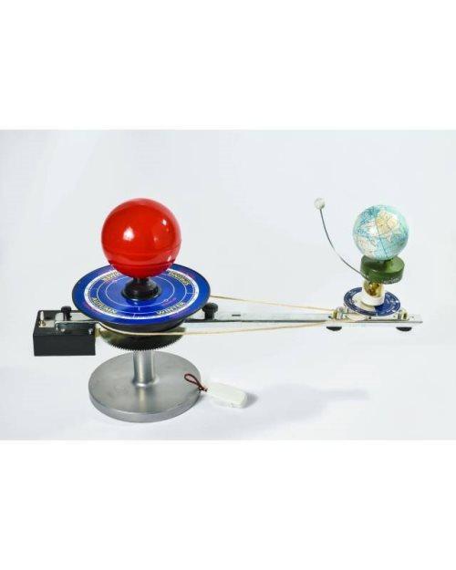 Г061 - Модел сонце-земја-месечина